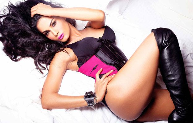 Veena Malik Bra Size, Weight, Height and Measurements