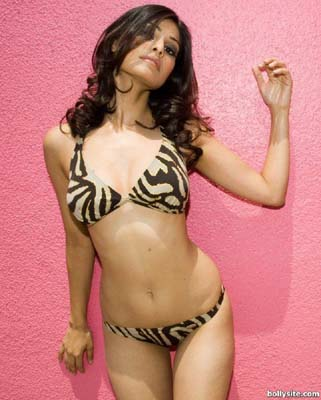 Puja Gupta Bra Size, Weight, Height and Measurements
