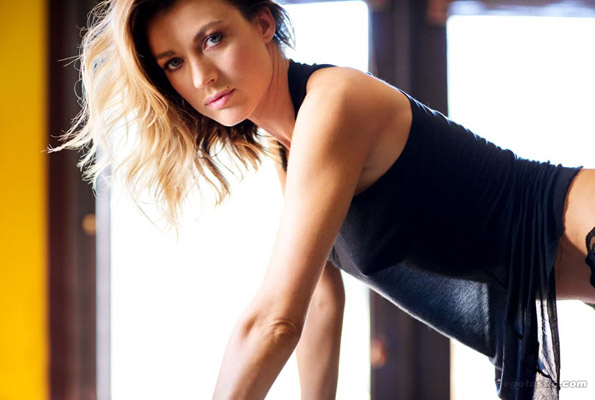 Natalie Zea Bra Size, Weight, Height and Measurements