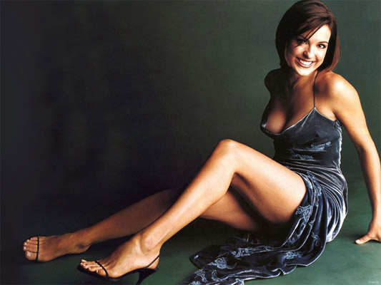 Mariska Hargitay Bra Size, Weight, Height and Measurements