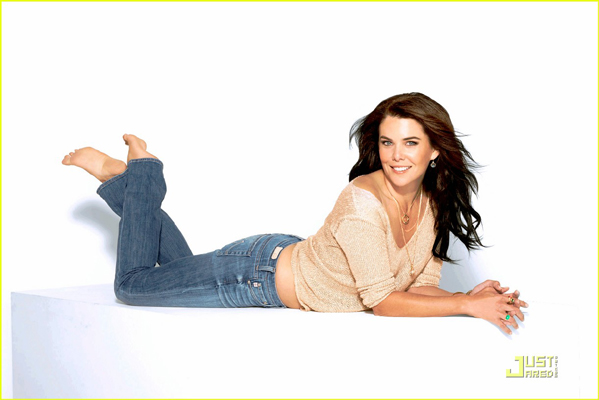 Lauren Graham Bra Size, Weight, Height and Measurements