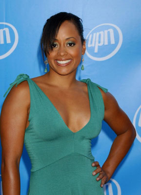 Essence Atkins Bra Size, Weight, Height and Measurements