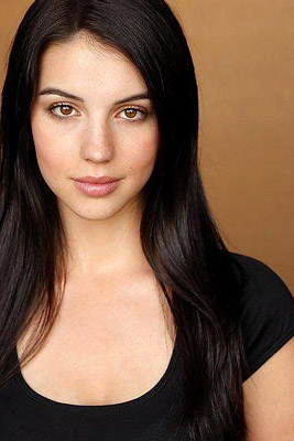 Adelaide Kane Bra Size, Weight, Height and Measurements