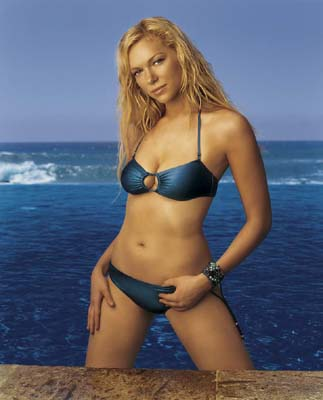 Laura Prepon Bra Size, Weight, Height and Measurements