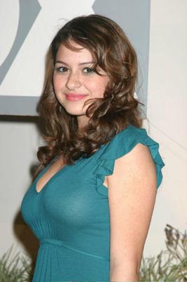 Alia Shawkat Bra Size, Weight, Height and Measurements