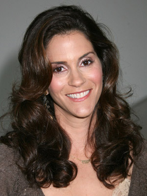 Jami Gertz Bra Size, Weight, Height and Measurements