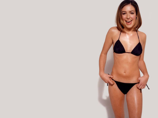 Cat Deeley Bra Size, Weight, Height and Measurements