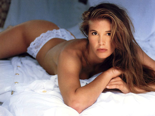 Elle Macpherson Bra Size, Weight, Height and Measurements