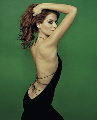 Debra Messing Bra Size, Weight, Height and Measurements
