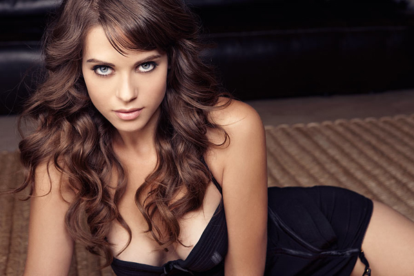 Lyndsy Fonseca Bra Size, Weight, Height and Measurements