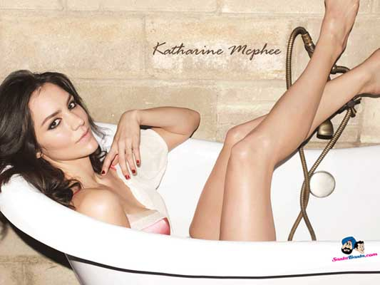 Katharine McPhee Bra Size, Weight, Height and Measurements
