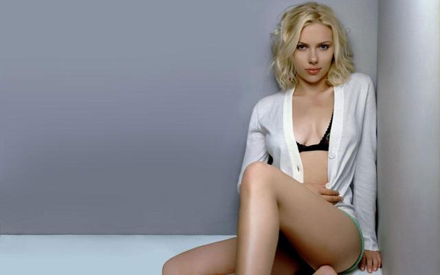 Scarlett Johansson Bra Size, Weight, Height and Measurements
