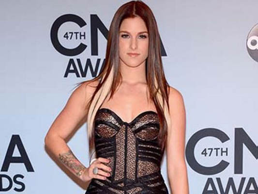 Cassadee Pope Bra Size, Weight, Height and Measurements