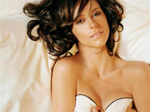 Jennifer Love Hewitt Bra Size, Weight, Height and Measurements